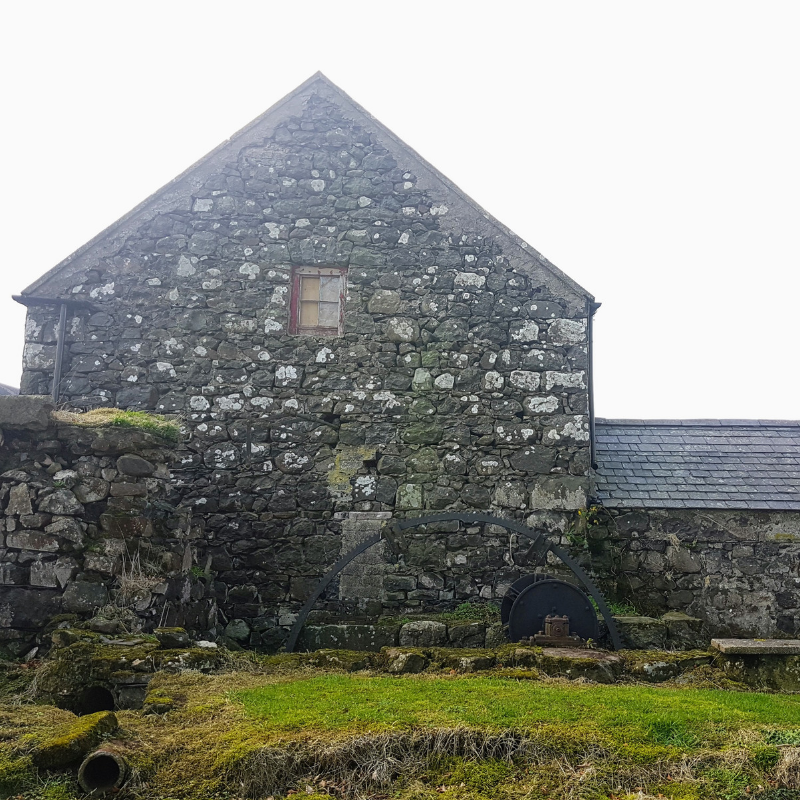 replacement dwelling & conversion of barn in broughshane